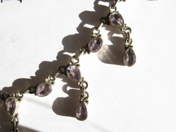 amethyst collier detail